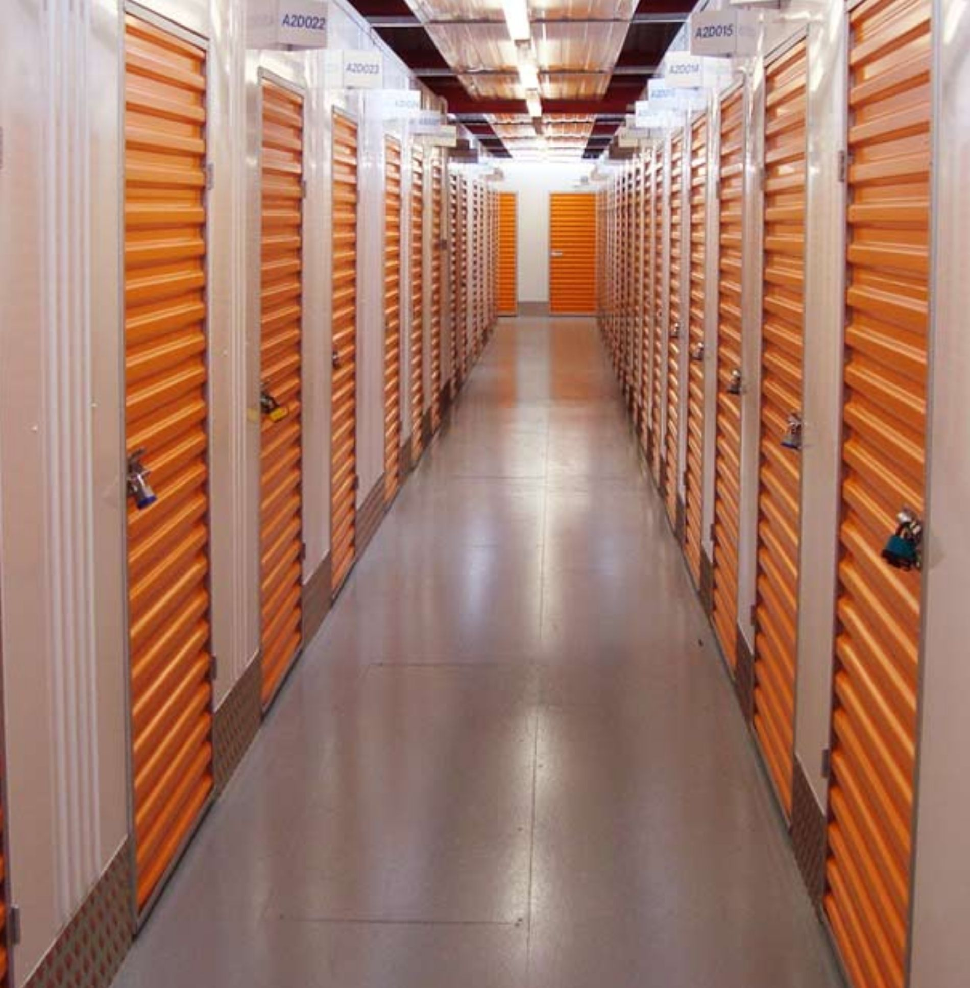 5 Manageable Steps for Cleaning Your Self-Storage Unit